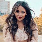 @bridgethelene's profile picture on influence.co
