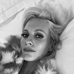 @poppydelevingne's profile picture on influence.co