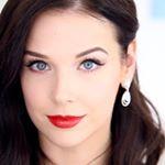 @lizaonair's Profile Picture