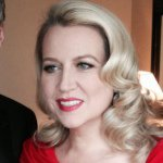 @cherylstrayed's profile picture