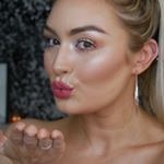@emilie.makeupartist's profile picture on influence.co