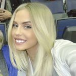 @sydneyesiason's profile picture on influence.co