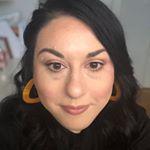 @lipsticknlinguine's profile picture on influence.co