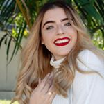 @viviannamena's profile picture on influence.co