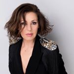 @tinaarena's profile picture on influence.co