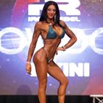 @victoriacale_ifbbpro's profile picture on influence.co