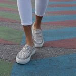 @jslidesfootwear's profile picture on influence.co