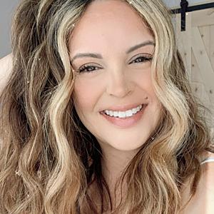 @mirellamanelli's profile picture on influence.co