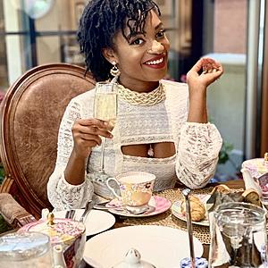 @myishola's profile picture on influence.co