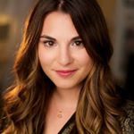 @victoriaaveyard's profile picture on influence.co