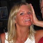 @lacqueredlori's profile picture on influence.co
