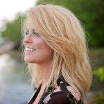 @laurmishelle's profile picture on influence.co