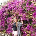 @authenticchica's profile picture