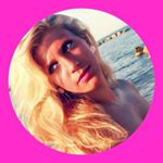 @deboracoco_'s profile picture on influence.co
