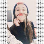 @elena_tsak_'s profile picture on influence.co