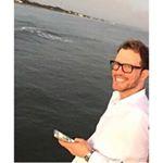 @carlosriverad's profile picture on influence.co