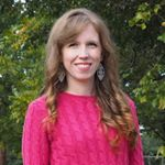 @juliemeasure's profile picture on influence.co