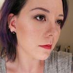 @lipsticklatitude's Profile Picture