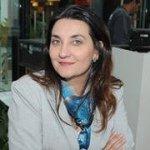 @renataruiz's profile picture on influence.co