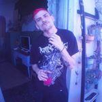 @e_l_e_f_t_h_e_r_i_o_u's profile picture