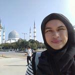 @lizafathia's profile picture on influence.co