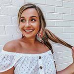 @haleykathryntye's profile picture on influence.co