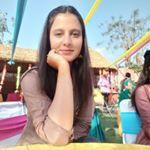 @__riiyaaa's profile picture on influence.co
