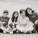 @paolaseguraazuara's profile picture on influence.co