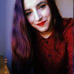 @juliegoestowonderland's profile picture on influence.co
