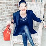 @lipsticklattesandlife's profile picture on influence.co