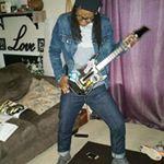 @randomactsof.nish's profile picture on influence.co