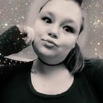 @pretty_weird87's profile picture on influence.co