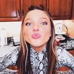 @laurenpalumbo_'s profile picture on influence.co