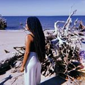 @jalissia_b's profile picture on influence.co