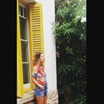 @katiasanz's profile picture on influence.co