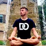 @robbytheyogi's profile picture on influence.co