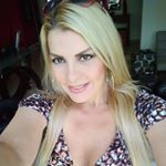 @clemencontigo's profile picture on influence.co