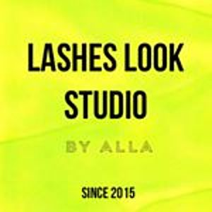 @lasheslook_studio's profile picture on influence.co
