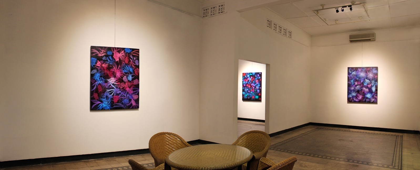 Wenzeang emmitan gallery