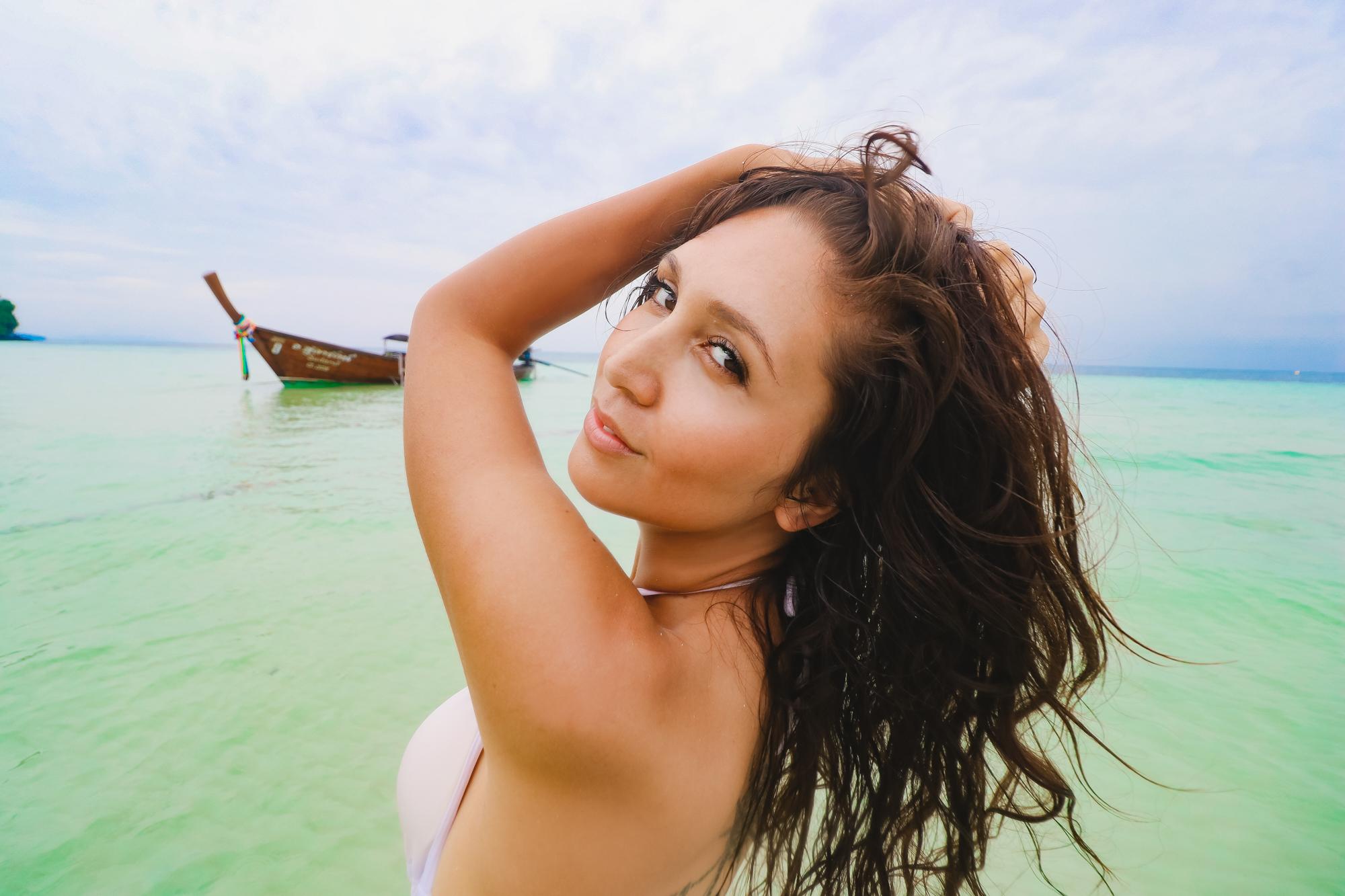 Lauren island 3
