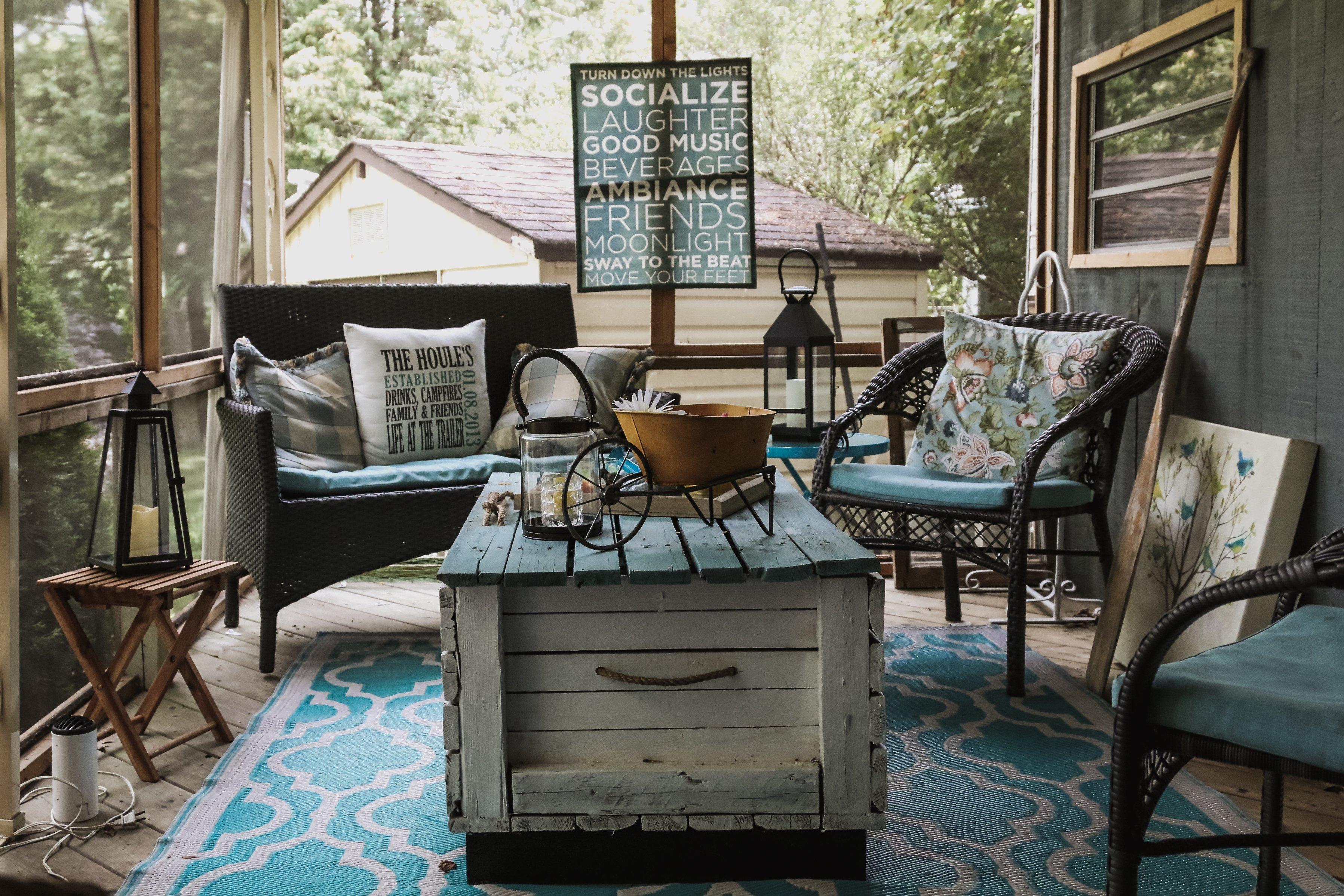 Cottage porch lounge 4460x4460