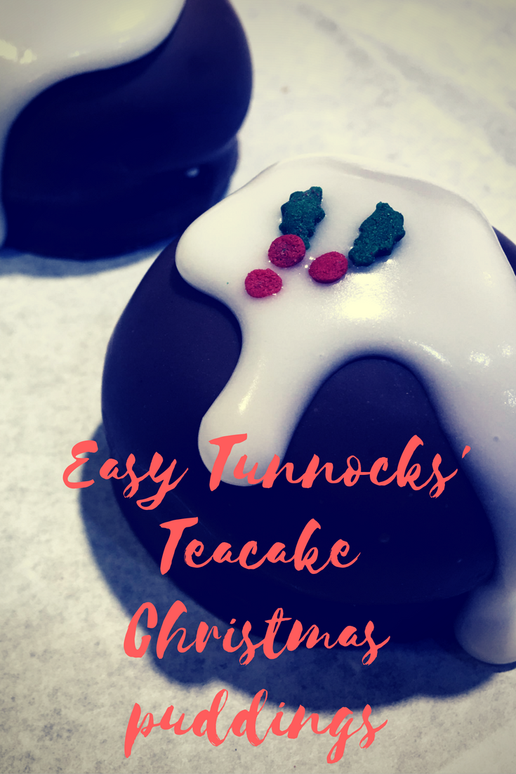 @the.gingerbread.house's cover photo for 'Easy Tunnocks Teacake Christmas puddings - the-gingerbread-house.co.uk'