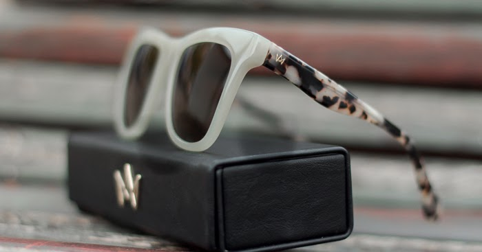 @withorwithoutshoes's cover photo for 'Gafas de sol grises con animal print de AM Eyewear'