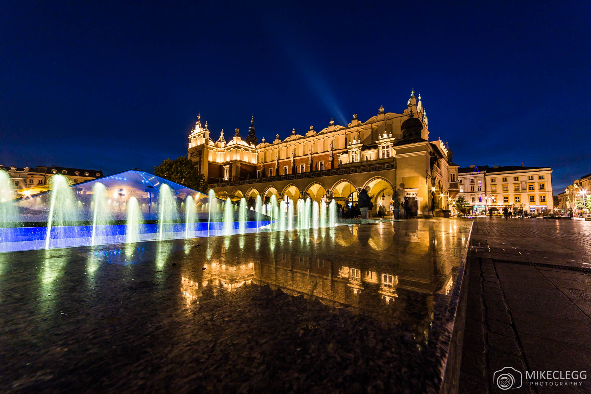 @mikecleggphoto's cover photo for 'An experience in Krakow with Sheraton Hotels'