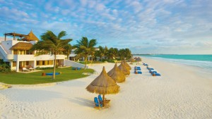 @bonvivantlondon's cover photo for 'The Best Luxury Hotels on the Riviera Maya, Mexico - The Bon Vivant Journal'