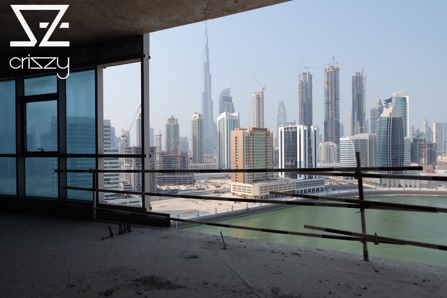 @criszyy's cover photo for 'Dubai men fashion and architecture from the top and adobe'