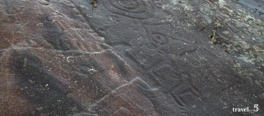 @travelto5's cover photo for 'Searching for petroglyphs in Galicia, our top 5 prehistoric rock art trails in Pontevedra'