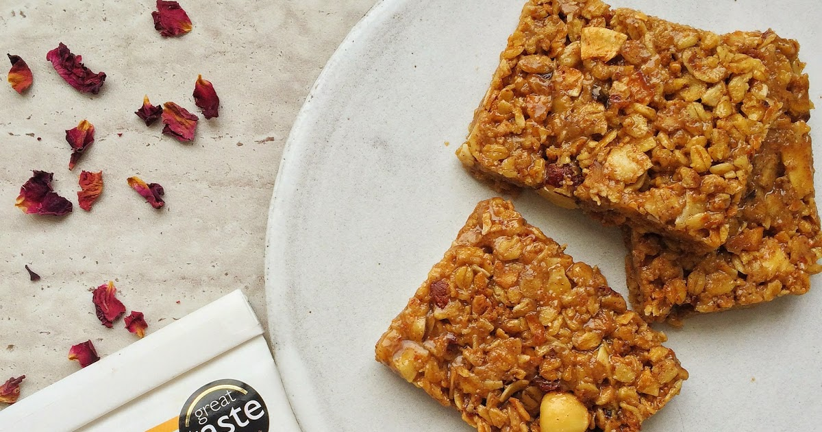 @naturallymeghan's cover photo for 'Naturally Meghan : Peanut Butter Granola Bars with Spoon Cereals Cinnamon Granola'