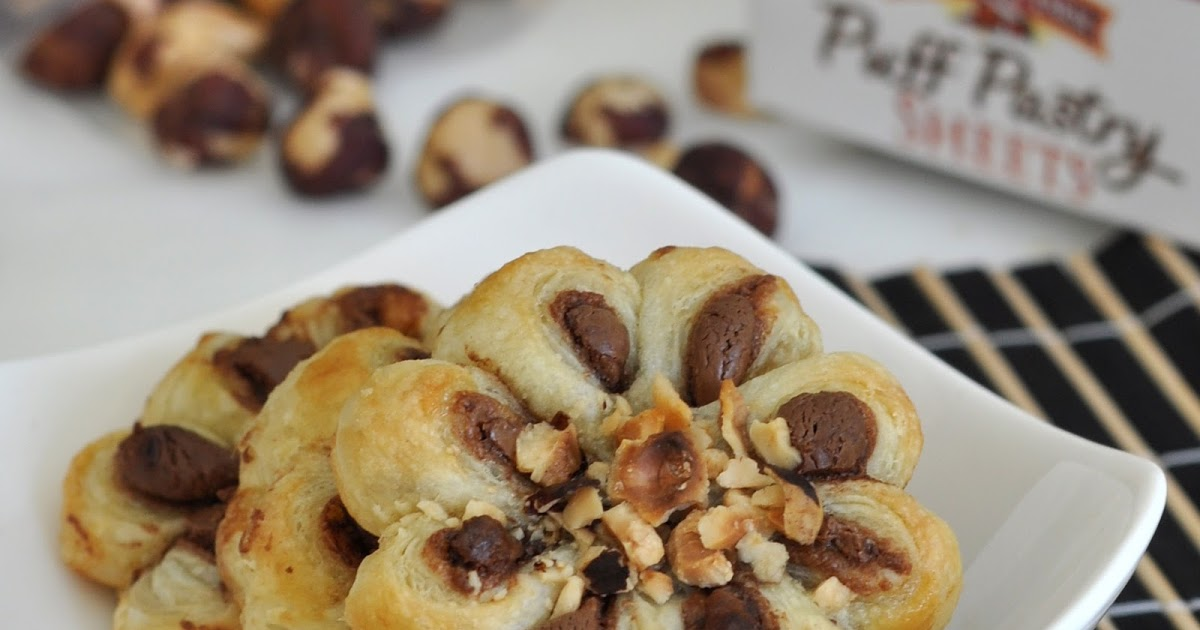 @cookwithmanuela's cover photo for 'How to Make Puff-Pastry Chocolate-Hazelnut Flowers'