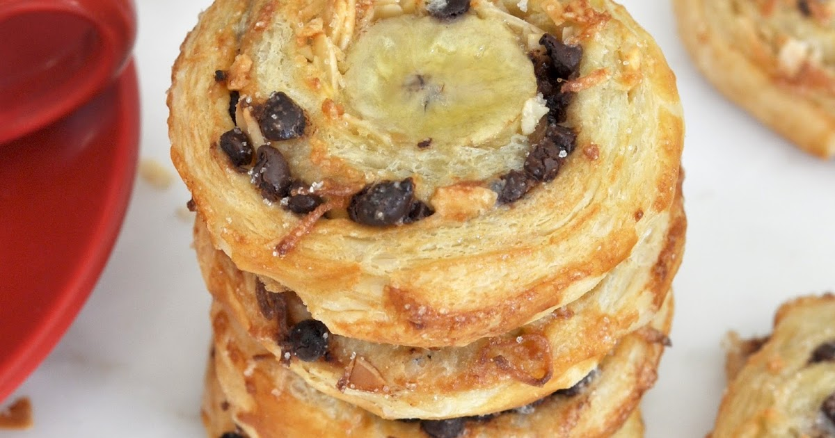 @cookwithmanuela's cover photo for 'Banana-Chocolate Swirls Filled with Coconut and Almonds'